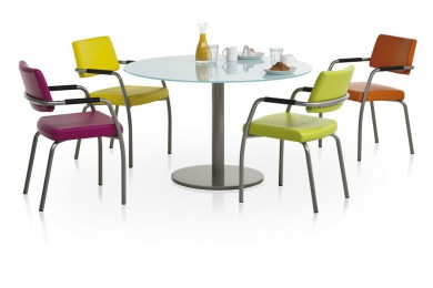 Ensemblte table et chaises dumobilier for Table de cuisine plus chaises